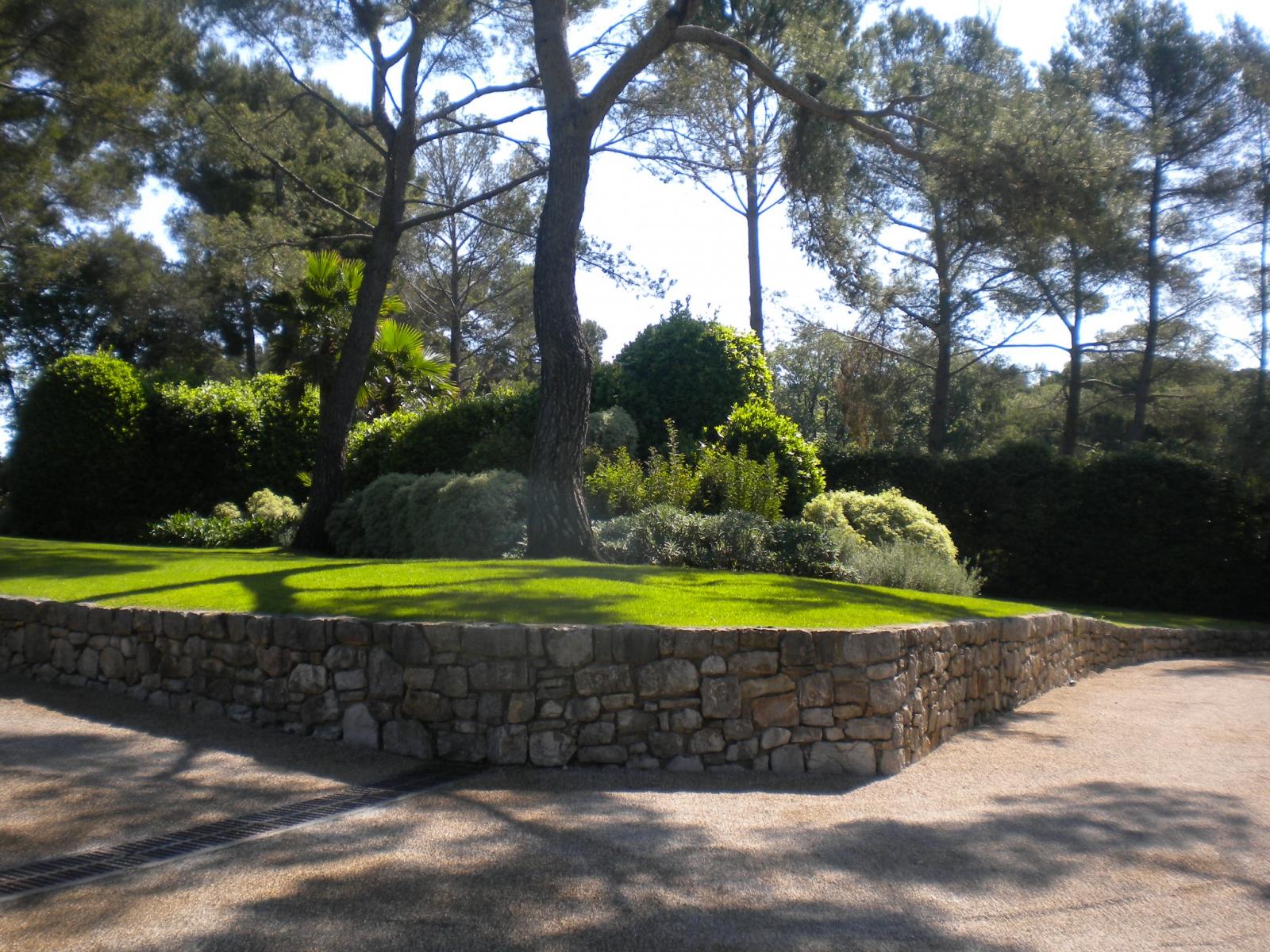 Pinède revisité à Mougins